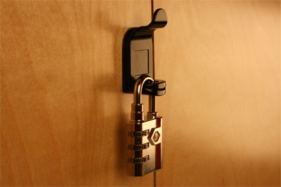 padlocking latch